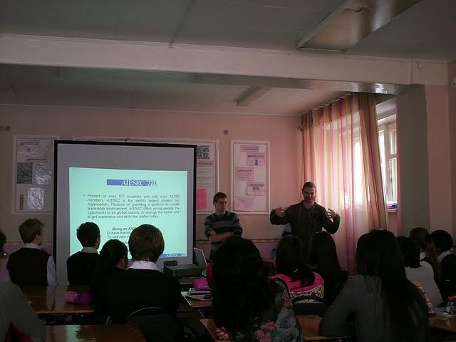 AIESEC prezentācija Kazahstānā