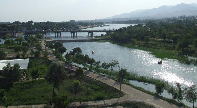 Tadžikistānas upe Sirdarja