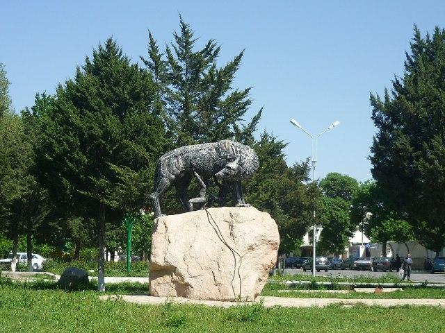 Tadžikistāna piemineklis