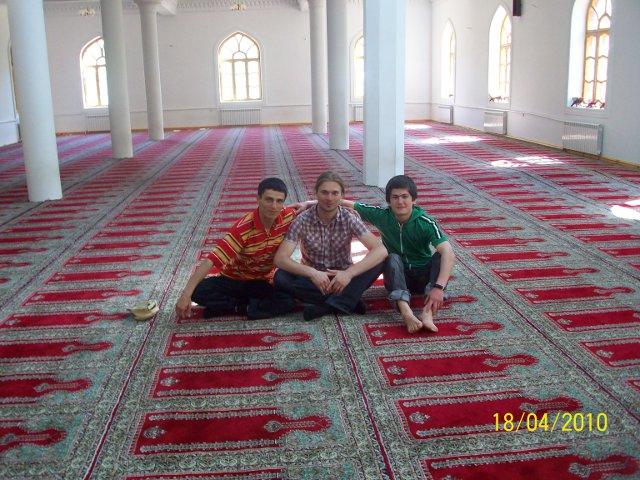 Mošejā ar Javohiru un Sylemonu
